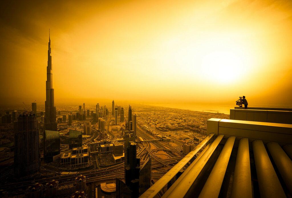 Trey photographing the Burj by Rene Smith-X3.jpg