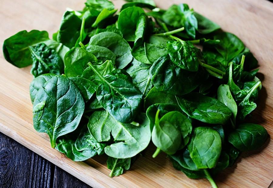 5. Шпинат Среди зеленых овощей он признанный лидер по усвояемости и безопасности для пищеварения. Не