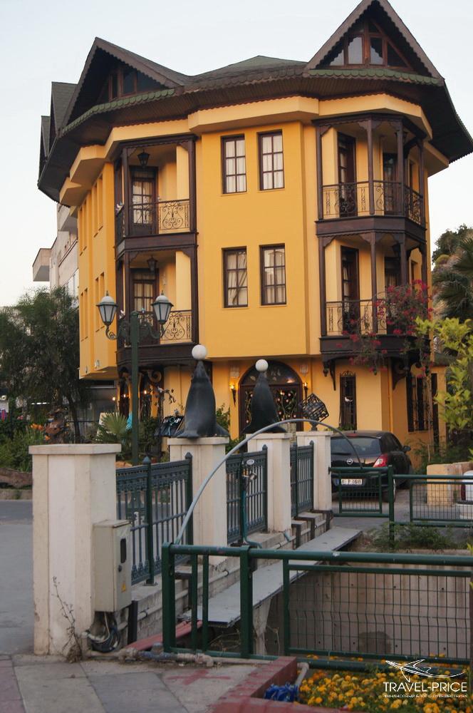 отель и ресторан в Мармарисе