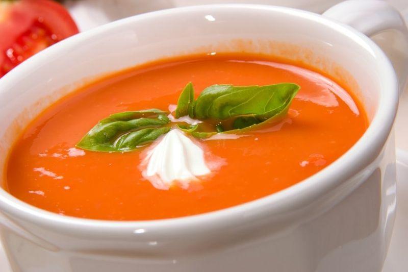 Томатный крем-суп с острым перчиком чили