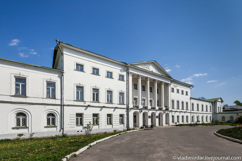 Усадьба Ивановское. Главное здание.