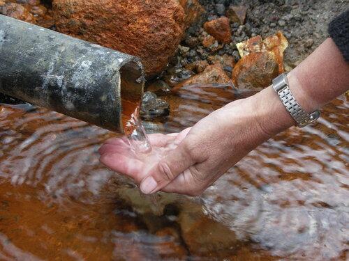рука, жаждующая живительной влаги