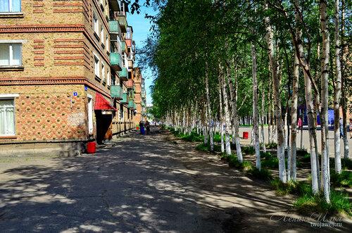 Фотография Инты №7714  Юго-западный угол Горького 4 (магазин