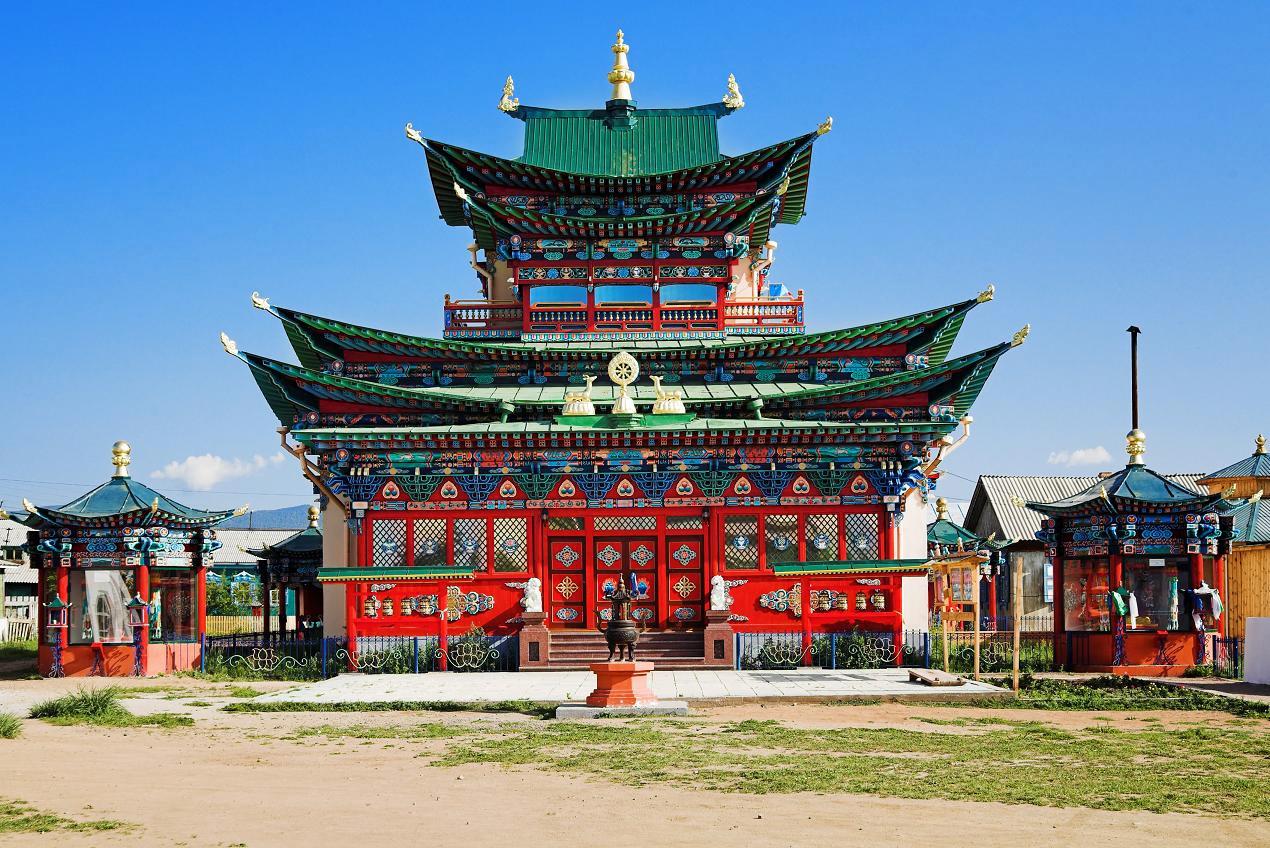 8 Китай? Не Китай! Это же Иволгинский дацан в Бурятии (Фото: Mikhail Markovskiy) Буддийский монастыр