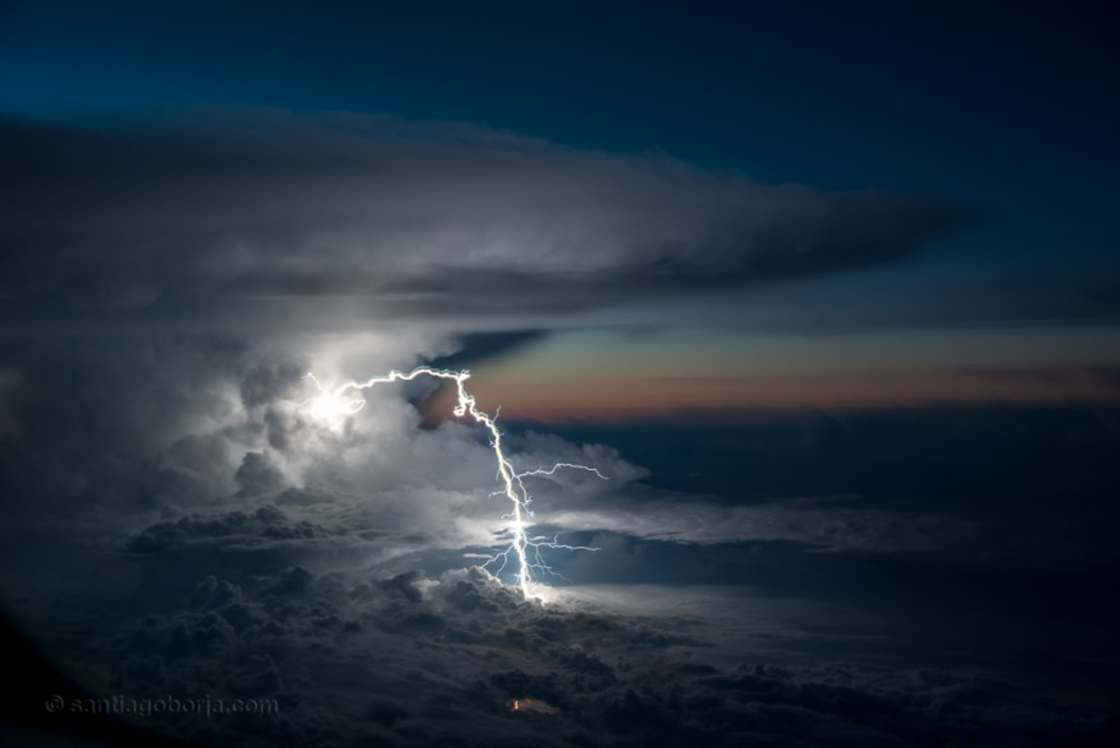 When a pilot captures gorgeous thunderstorms from his plane