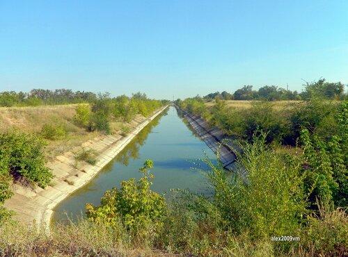 Канал в степях заволжских