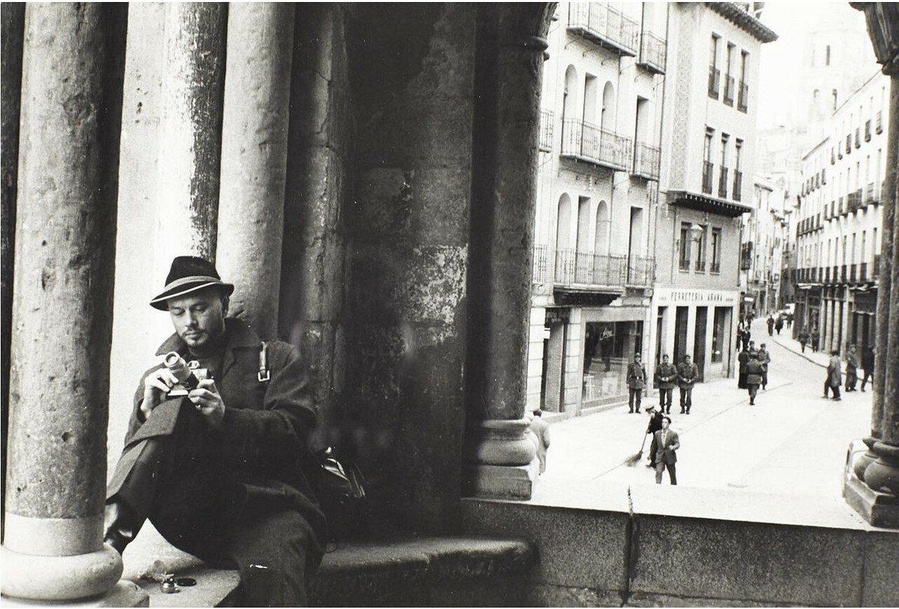 1958. Юл Бриннер, Италия