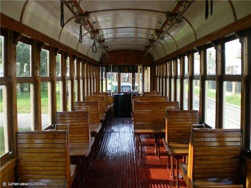 трамвайный салон