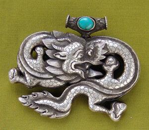 Драконы востока в амулетах и талисманах - в пещере у драконо.