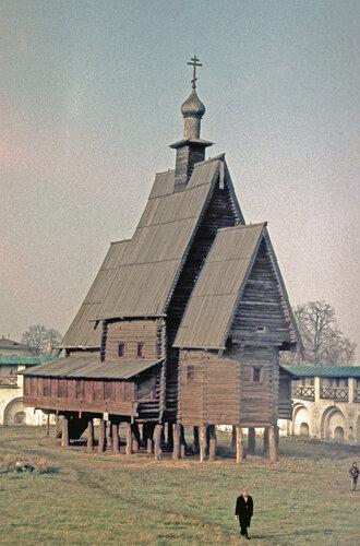 Ц-вь с. Спас-Вежи на территории Ипатьевского м-ря в Костроме