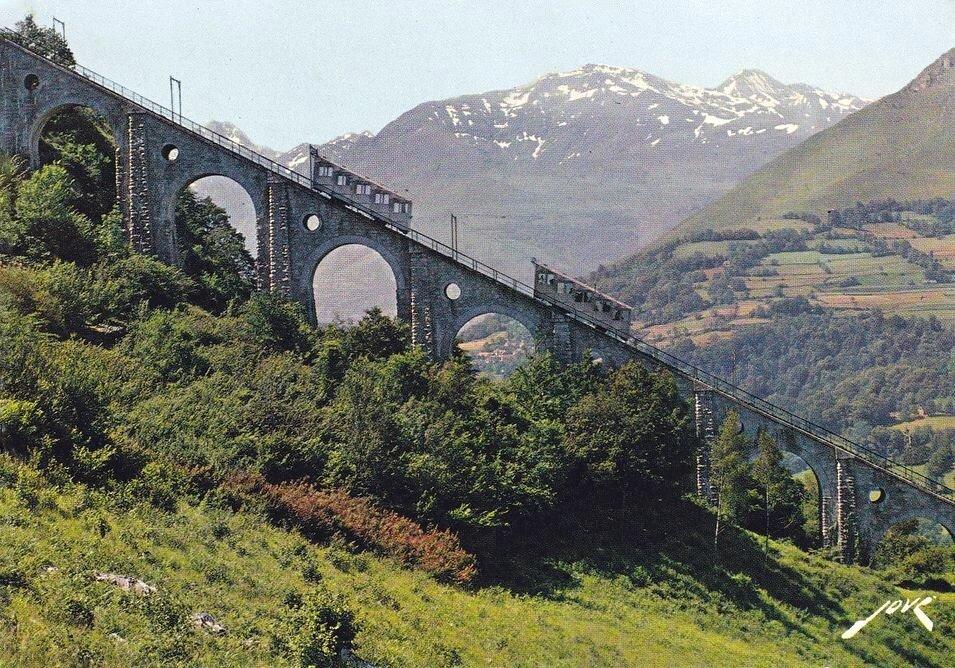 FUNICULAIRE du Pic du Jer le Viaduc.jpg