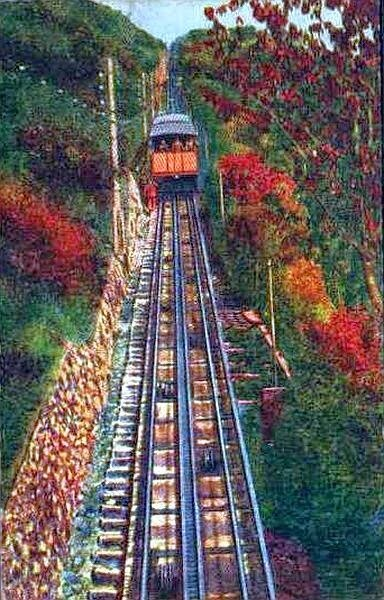 funicular from Como to Brunate, Italy.jpg
