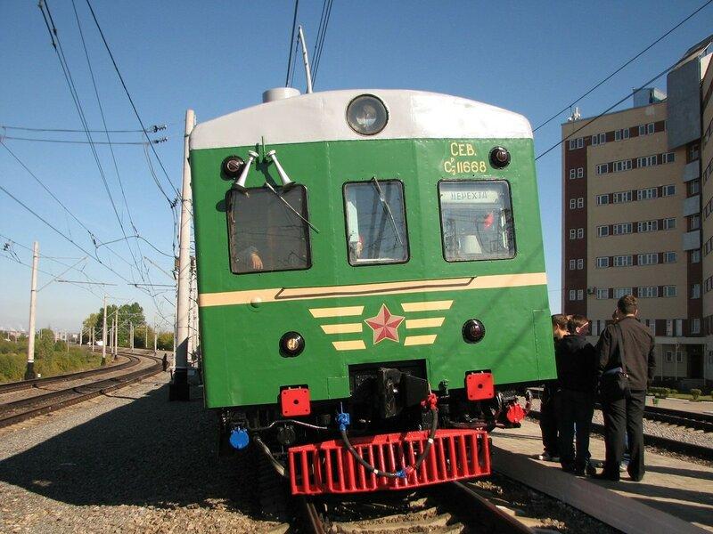Электропоезд СР3