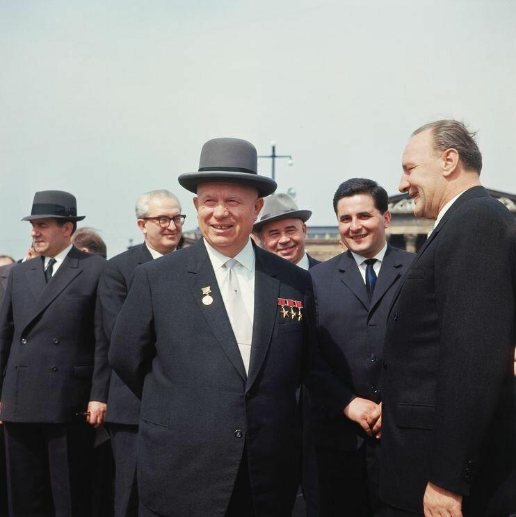 1964 8 апреля Хрущев Dieter Steiner.jpg