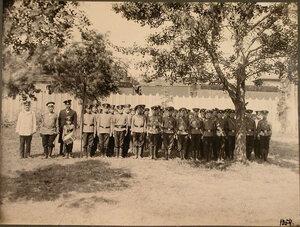 Группа воспитанников Ревельского технического железнодорожного училища во время строевых занятий.