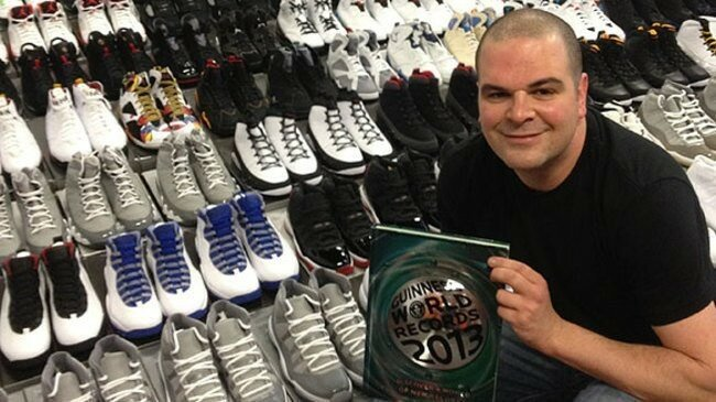 Несмотря на то, что его коллекция продолжает расти Джорди Геллер (Jordy Geller) установил рекорд в 2012 году, когда в его коллекции было 2 388 разных пар спортивной обуви. Все эти кроссовки являются абсолютно новыми. Коллекция насчитывает каждую модель, Которую когда-либо выпускала компания «Air Jordans». Какова стоимость такой коллекции, спросите вы? Более 1 миллиона долларов.