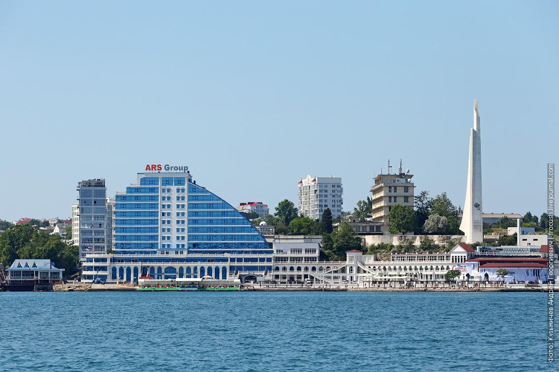 Торгово-офисный комплекс на мысе Хрустальном в Севастополе