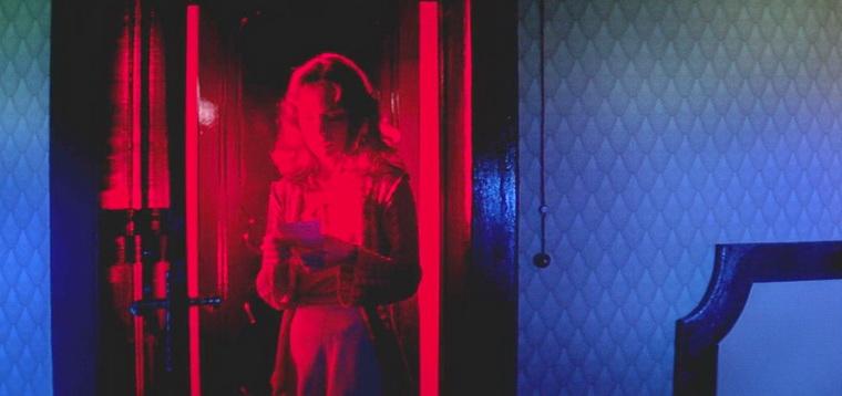 1977 - Суспирия (Дарио Ардженто).jpg