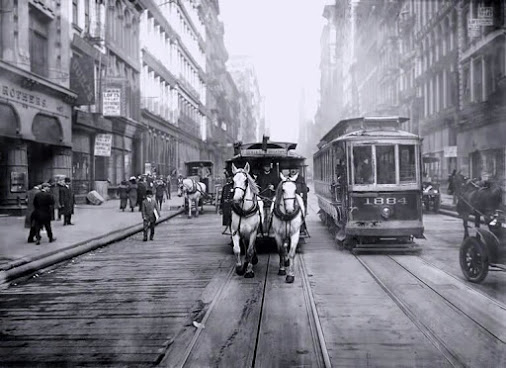 HORSE-DRAWN CARRIAGE, NEW YORK, 1917