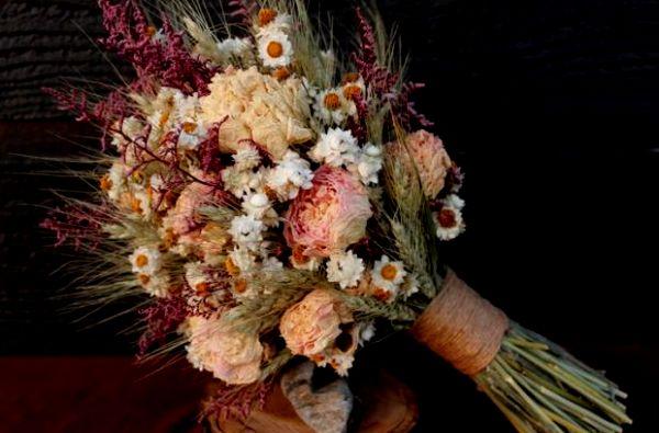 Украшения из сухих цветов своими руками