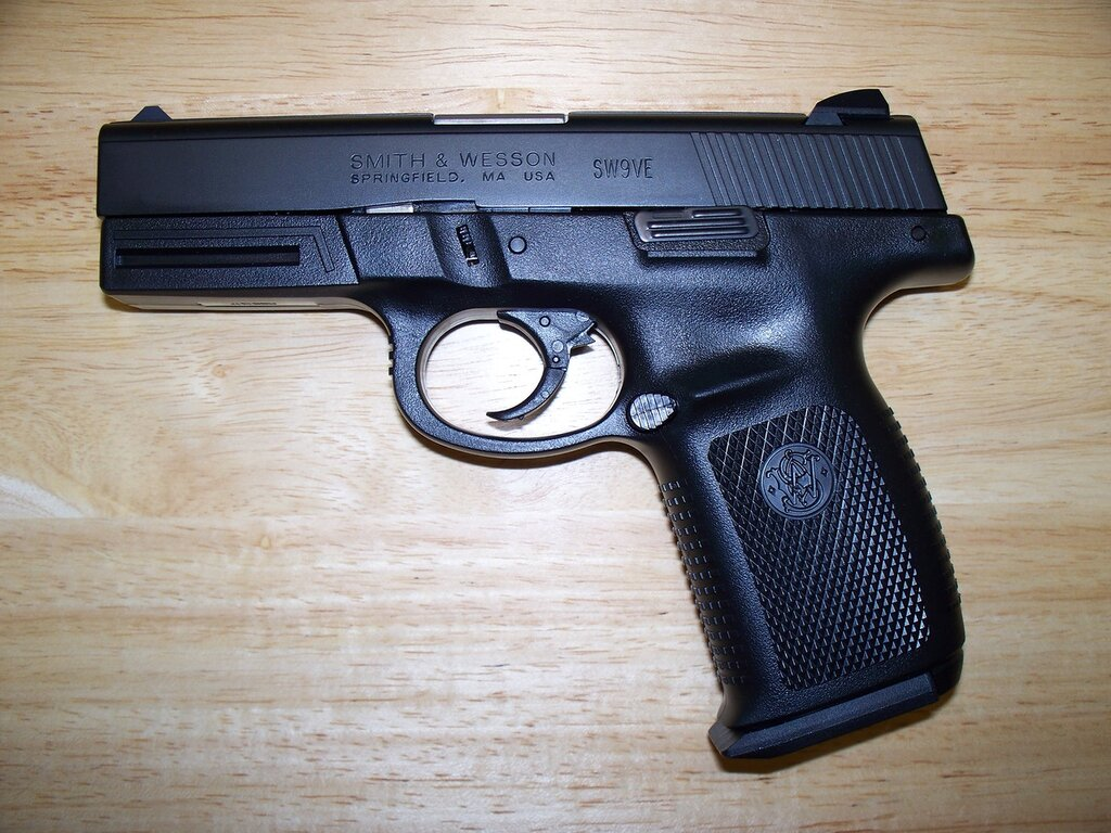 Smith_&_Wesson_9mm_Model_SW9VE.jpg