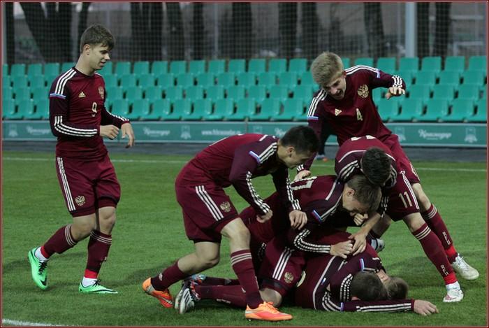 голы россия ирландия по футболу: