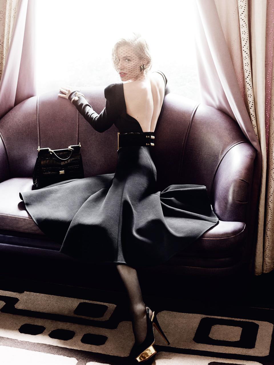 Актриса Сиенна Миллер в британском Vogue