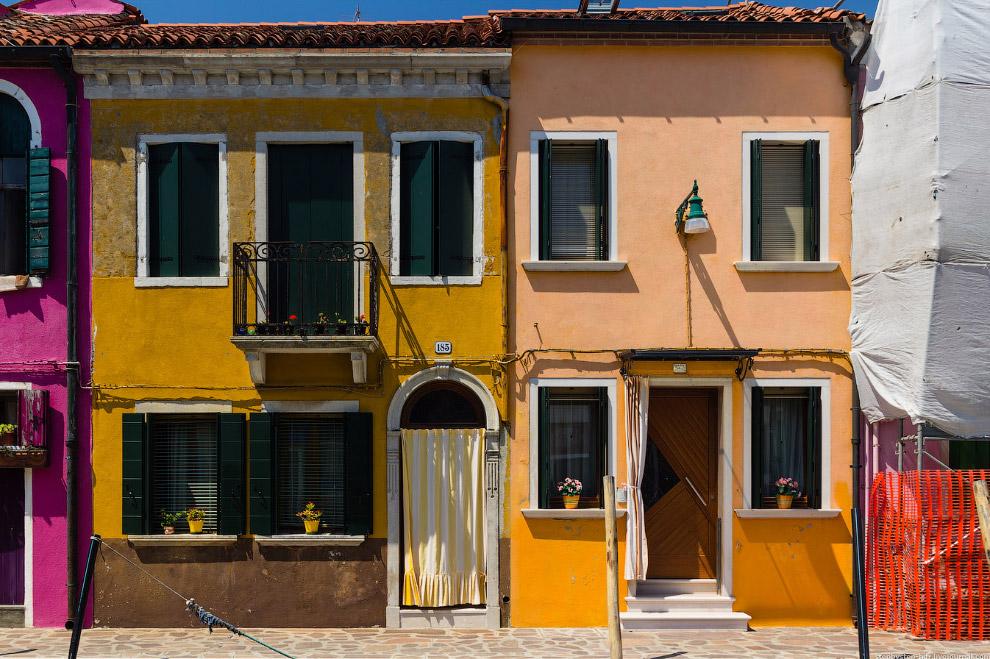 Krasochnye-ulicy-Burano-33-foto