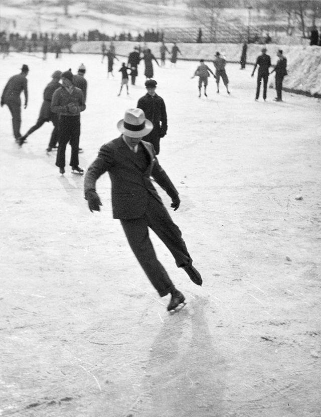 11. Мужчины катаются на коньках (1937)