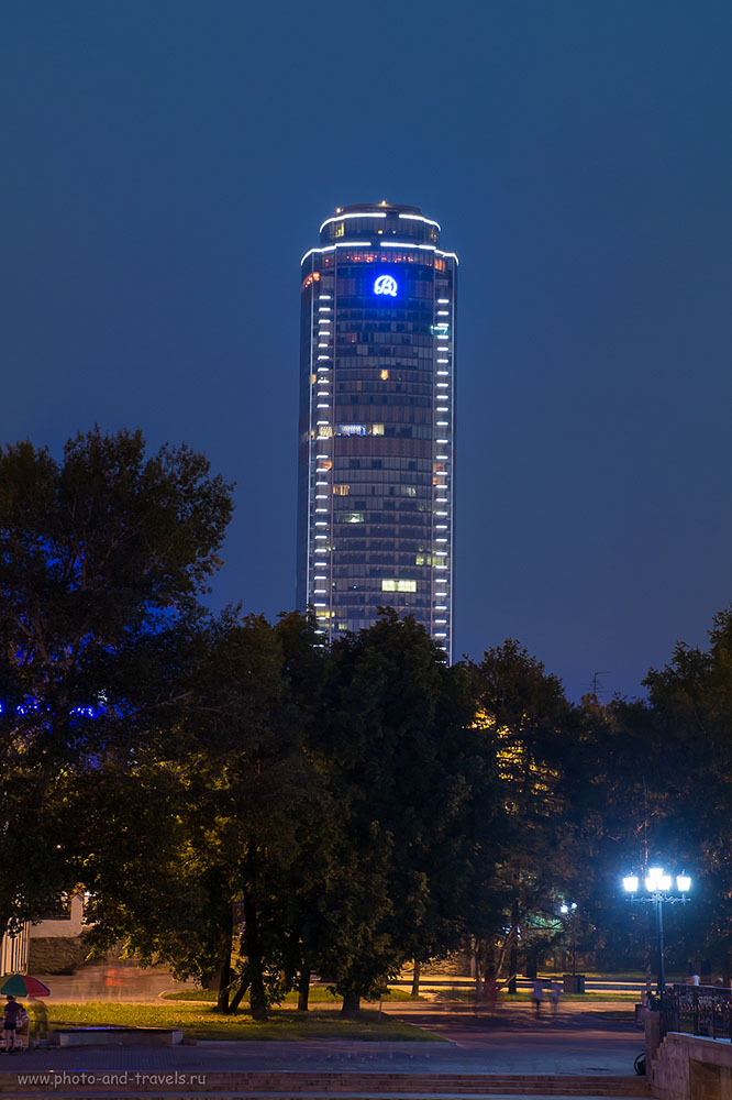 Фото 7. Пример ночной фотографии, снятой на беззеркалку Fujifilm X-M1 и КИТовый объектив Fujifilm XC 16-50mm f/3.5-5.6, параметры съемки: 200, 50, 9.0, выдержка 4,5 секунды.