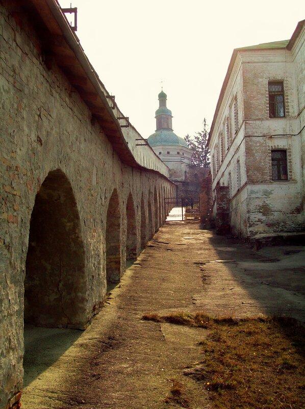 Крепостные укрепления Печерской лавры