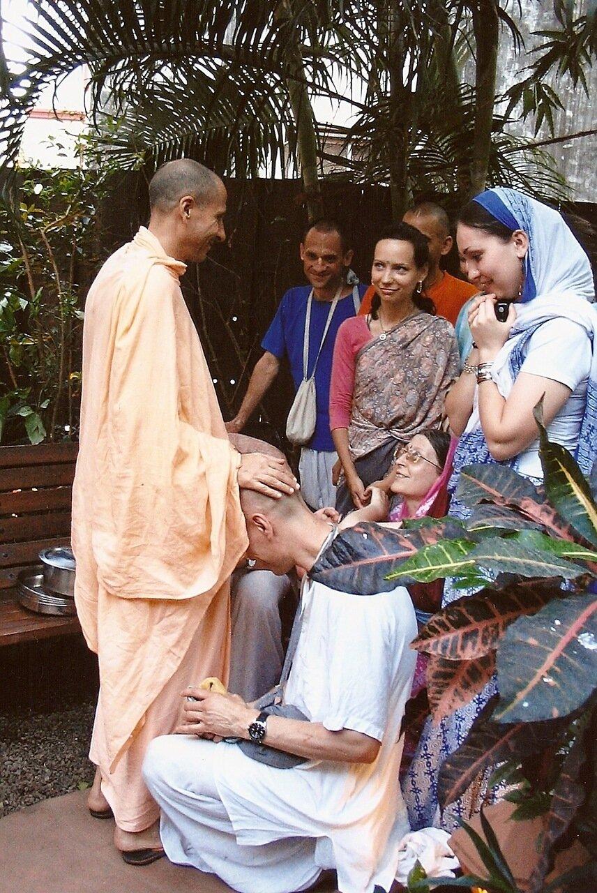 Любовь истинная - Американский гуру и его ученики из России в Индии