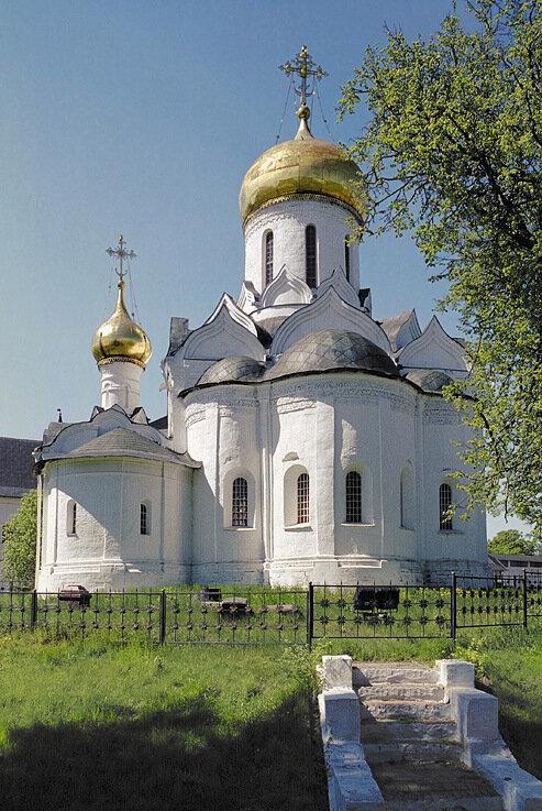Москва.  Церковь Иоанна Златоуста в Рождественском монастыре.
