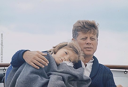 Джон Кеннеди с дочкой Керолайн