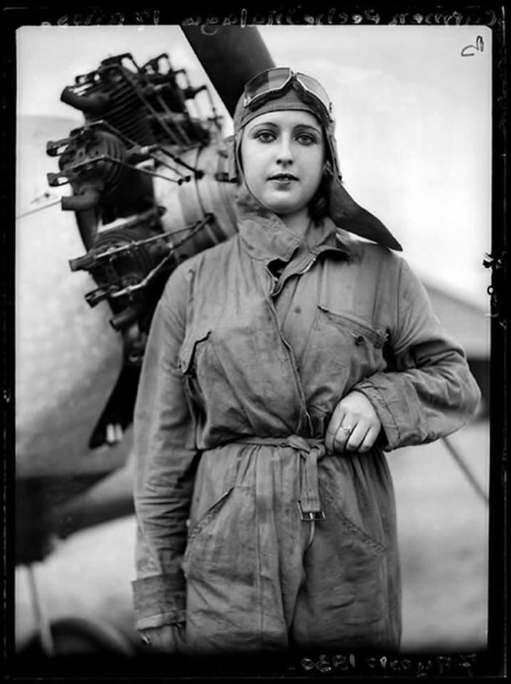 Carmen Peche, 1930. Pilot of the Spanish Republican Army.jpg