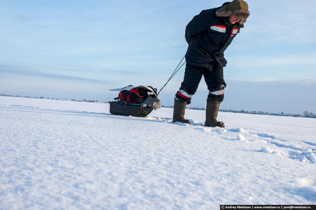 по льду домой с уловом