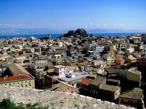 Корфу. Керкира. Вид  на  город  и  Старую  Византийскую  Крепость с  Новой Крепости