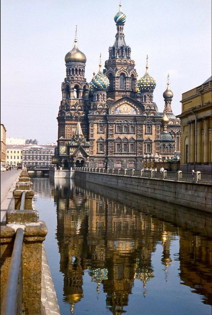 1958 Leningrad by Tuzo Wilson1.jpg