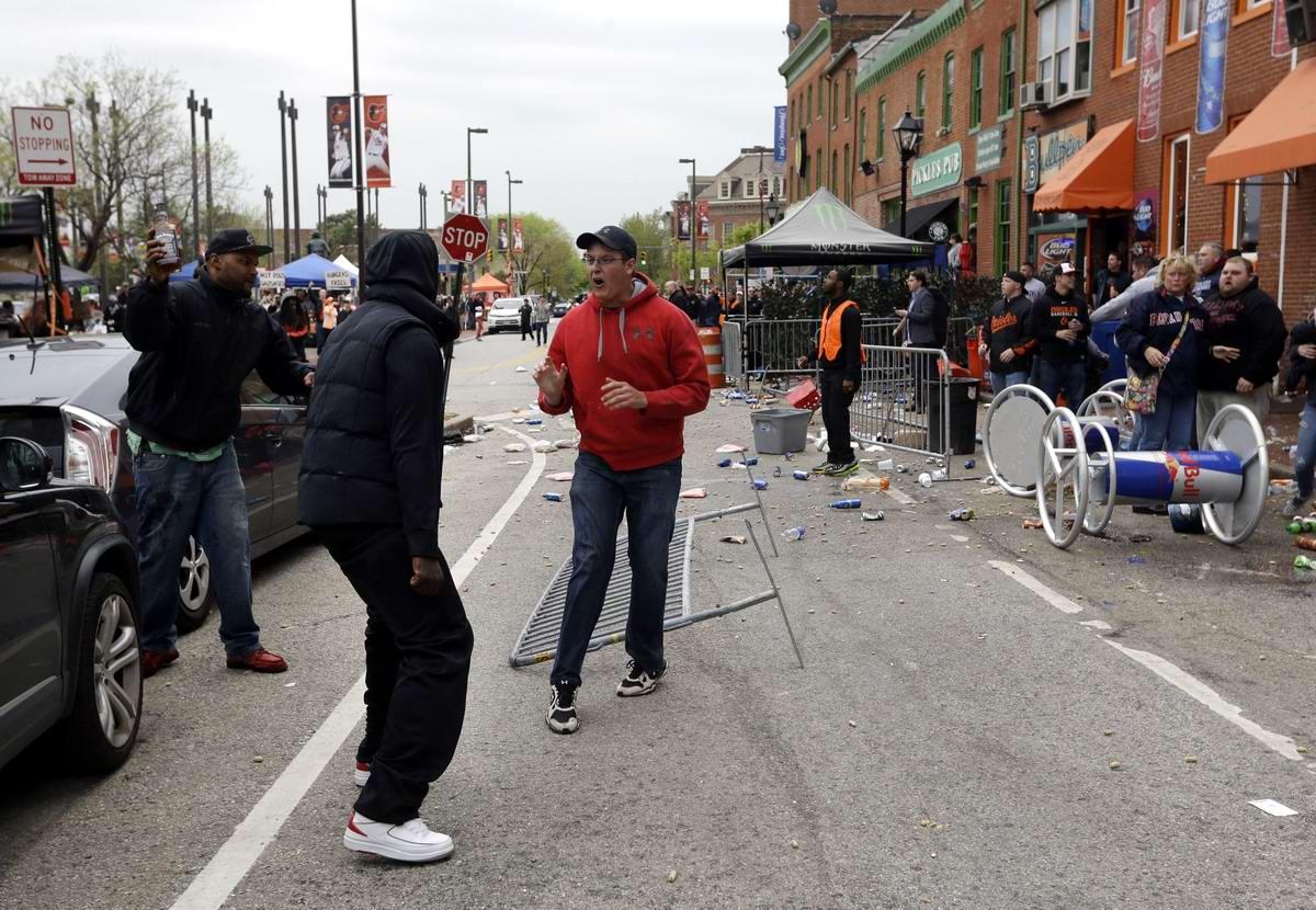 Конец полицейскому государству: Массовые протесты и уличные погромы в Балтиморе (США) (46)