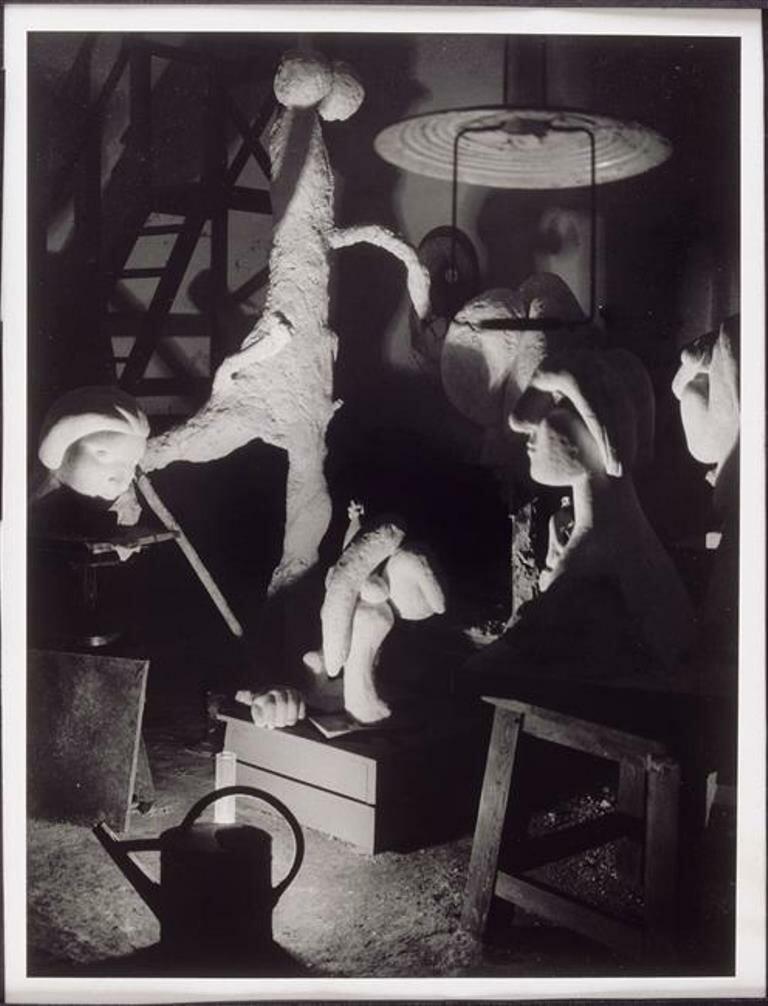 1932. Гипсовая голова в мастерской Пикассо в Буажелу