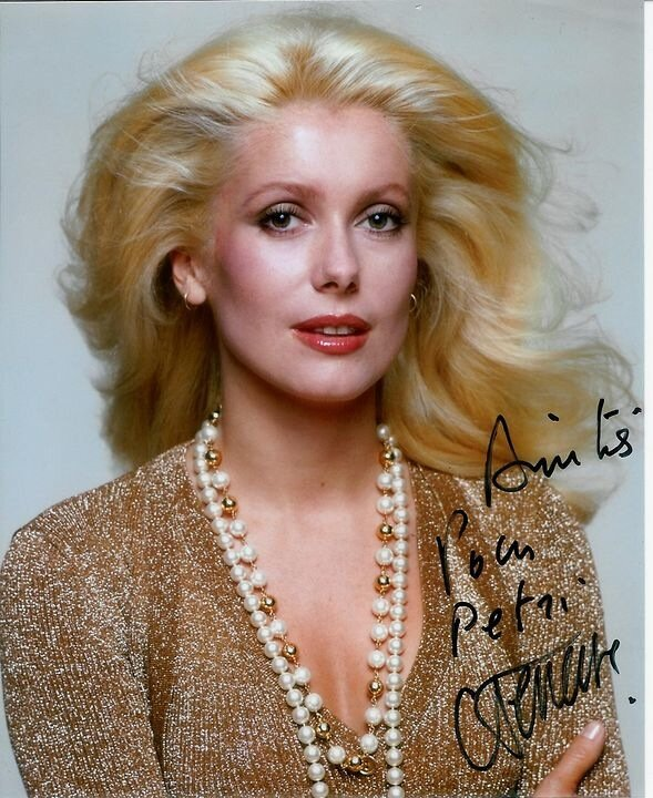 aline deneuve case analysis Free essay: case analysis: aline deneuve the case upholds aline deneuve's conversations with some of the employees of her workplace regarding the relevancy.