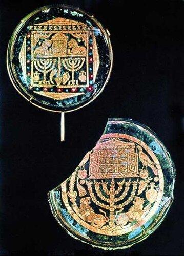 Два донца кубков из еврейских катакомб в Риме (4 век, стекло, позолота)