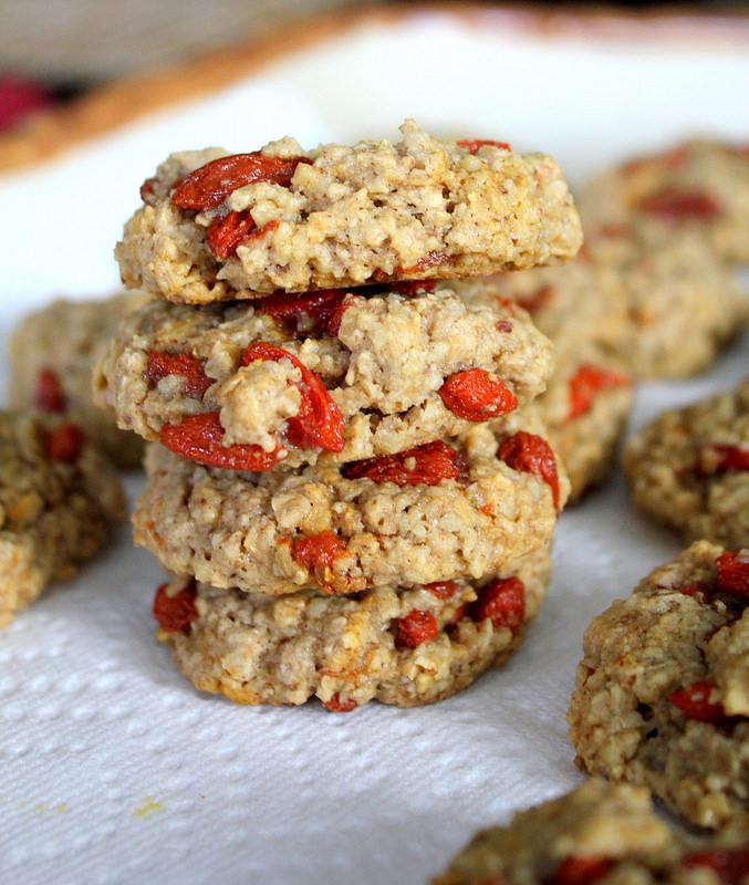Печенье с ягодами годжи