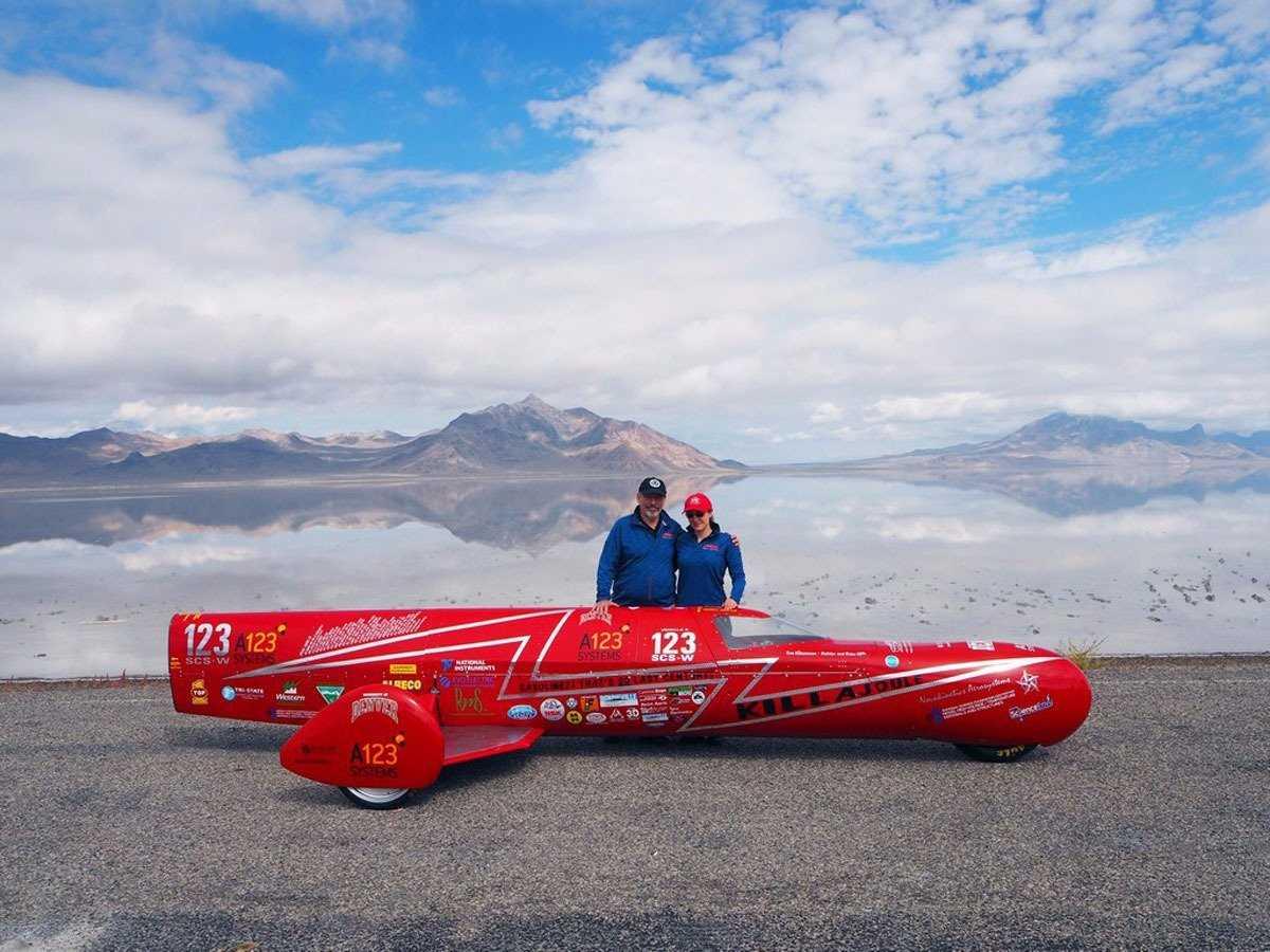 Самый быстрый мотоцикл от хрупкой создательницы (15 фото)