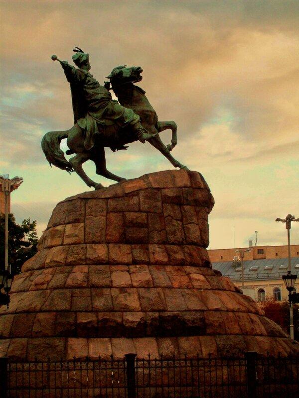 Памятник Богдану Хмельницкому