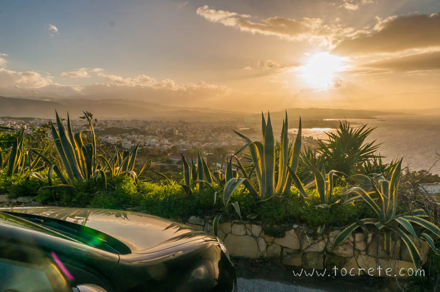 Закат в Ханье. Вид с холма Венизелоса | Sunset in Chania. View from Veniselos hill
