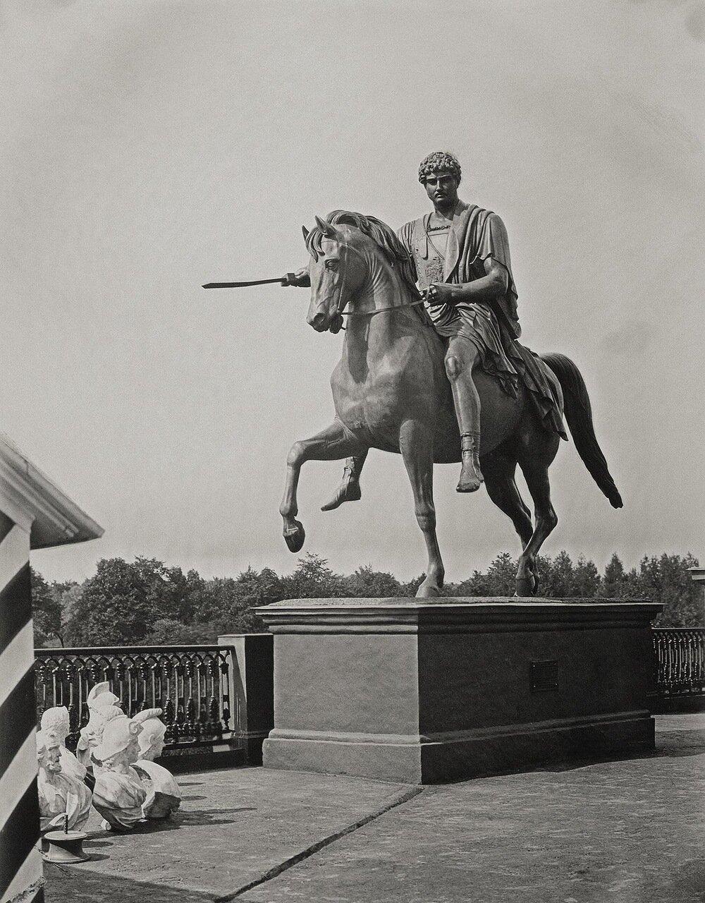 Конная статуя князя Юзефа Понятовского в виде римского полководца