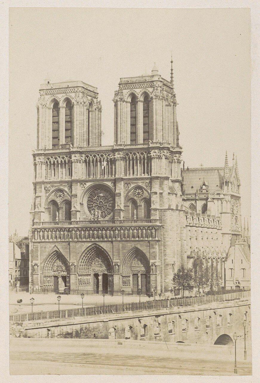 1878. Западный фасад собора Нотр-Дам