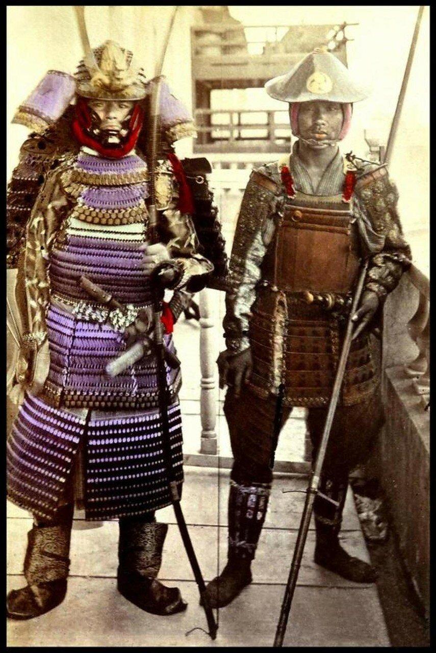 Два самурая в древней броне. 1870