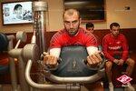 Две тренировки Спартака в тренажерном зале